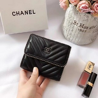 CHANEL - Chanel シャネル 折り財布