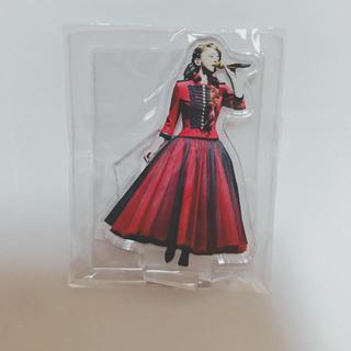 安室奈美恵 ガチャ アクリル 赤ドレス衣装 54番 日本製