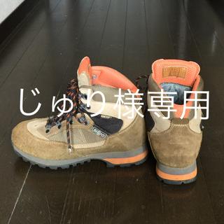 シリオ(SIRIO)のイタリアSIRIOの登山靴  ゴアテックス VIBRAMソール レディース(登山用品)