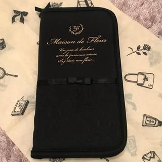 メゾンドフルール(Maison de FLEUR)のsakurako♡様専用  パスポートケース  Mサイズ(旅行用品)
