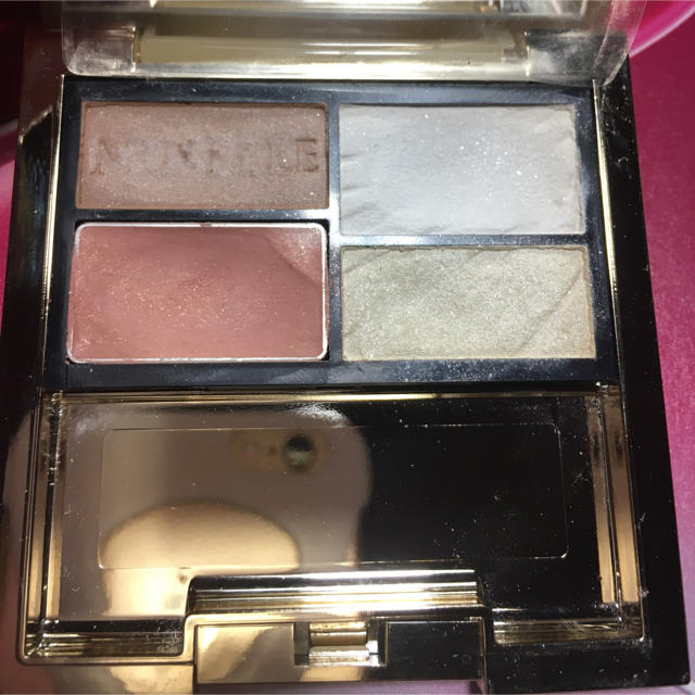 POLA(ポーラ)のPOLA ミュゼル フェイスカラー アイシャドウ コスメ/美容のベースメイク/化粧品(フェイスカラー)の商品写真