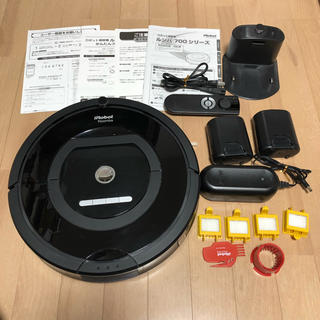アイロボット(iRobot)の【付属品完備】iRobot Roomba 自動掃除機 ルンバ 770(掃除機)