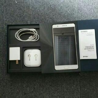 エイスース(ASUS)のasus ZenFone 3 ultra SIMフリーシルバ64gb(スマートフォン本体)