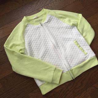ジーユー(GU)の未使用 ライトグリーン キルティング 羽織り(ノーカラージャケット)