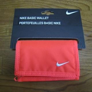 ナイキ(NIKE)の【新品未使用】NIKE ベーシックウォレット レッド(折り財布)