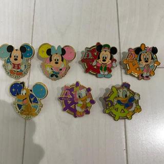 ディズニー(Disney)のディズニーリゾート 非売品 5周年ピンバッジセット(バッジ/ピンバッジ)