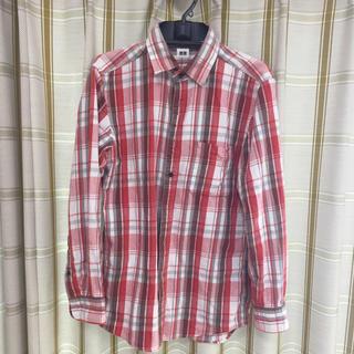ユニクロ(UNIQLO)の赤タータンチェックネルシャツ(シャツ)