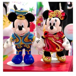 ディズニー(Disney)のDisney35周年グッズ:ぬいぐるみバッジミッキー・ミニーセット(バッジ/ピンバッジ)