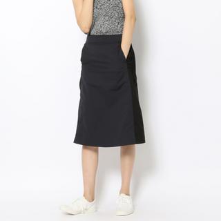 トゥモローランド(TOMORROWLAND)のマカフィー トラペーズスカート バイカラー 32 (ひざ丈スカート)