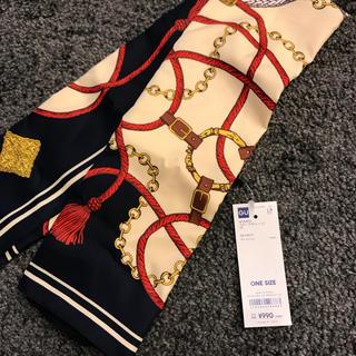 ジーユー(GU)の☆値下げ☆ GU スカーフ チェーン柄 新品未使用タグ付き(バンダナ/スカーフ)