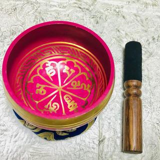 【マントラ オーム 一点物 良音】ピンク シンギングボウル 211g 8cm(ヨガ)