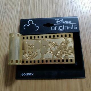ディズニー(Disney)のディズニー フイルム風 ブローチ 未使用(バッジ/ピンバッジ)