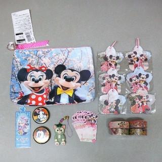 ディズニー(Disney)のディズニー 実写 ペンケース メモ テープ キーホルダー バッジ しおり セット(キャラクターグッズ)