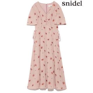 スナイデル(snidel)の❤︎snidel❤︎花柄ミモレワンピース❤︎(ロングワンピース/マキシワンピース)