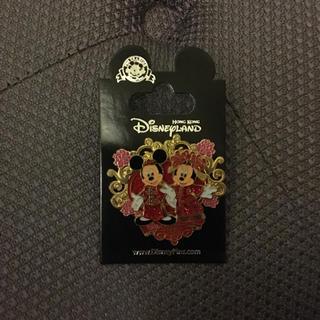 ディズニー(Disney)の香港ディズニーランド  ピンバッチ  ミッキーとミニー(バッジ/ピンバッジ)