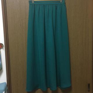 GU - 【新品タグ無】GU サテンフレアロングスカート
