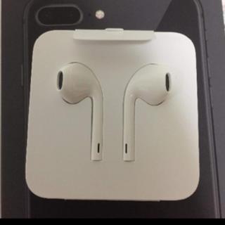 アップル(Apple)の純正iphone8 イヤホン(ヘッドフォン/イヤフォン)