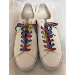 ジーユー(GU)の白スニーカー レインボー靴紐(スニーカー)