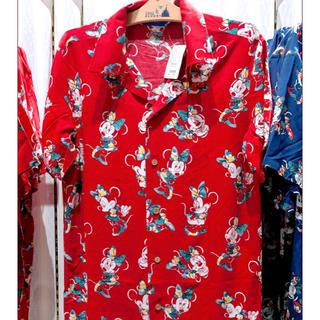 ディズニー(Disney)のディズニー 新品 未使用 ミニー アロハ シャツ S 赤(シャツ/ブラウス(半袖/袖なし))