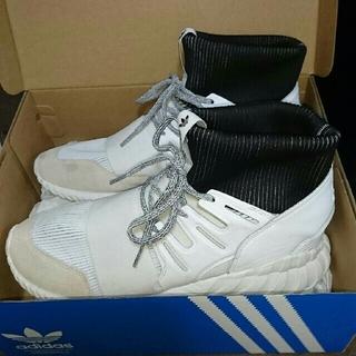 アディダス(adidas)のadidas チューブラードゥーム(ホワイト)(スニーカー)
