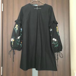 ザラ(ZARA)のZARA バルーン 刺繍 ワンピース(ミニワンピース)