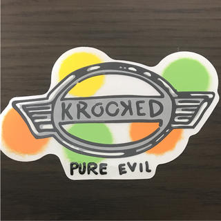 KROOKED - 【縦8.4cm横13.5cm】krooked skateboard ステッカー