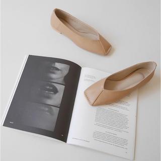 新品未使用⭐︎Argue squareToe Flat Shoes(BAIGE)(バレエシューズ)