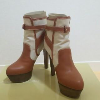 セルジオロッシ(Sergio Rossi)のセルジオロッシ ショートブーツ 35  美品(ブーティ)