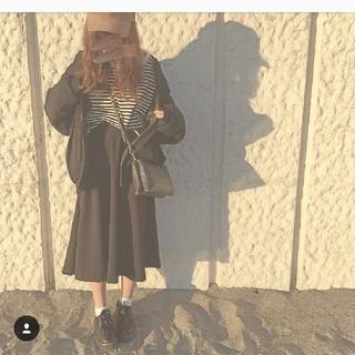 ジーユー(GU)のGUのハイウエストフレアミディスカート(ひざ丈スカート)