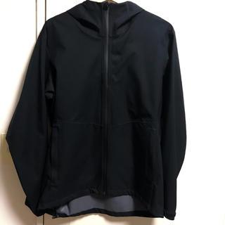 ユニクロ(UNIQLO)の【ほぼ新品】Uniqlo テープドシーム ジャケット L 黒 ブラック ユニクロ(ナイロンジャケット)