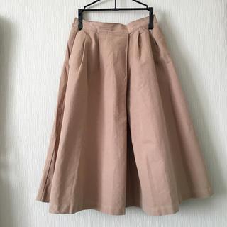 ジーユー(GU)のベージュ スカート(ひざ丈スカート)