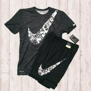 ナイキ(NIKE)の2018年新作モデル✨NIKE BIG SWOOSH セットアップ 上下(Tシャツ/カットソー(半袖/袖なし))