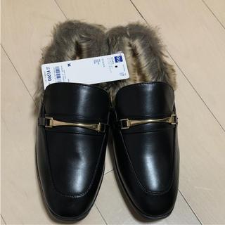 ジーユー(GU)のGU ファーサンダル    ローファースリッパ(ローファー/革靴)
