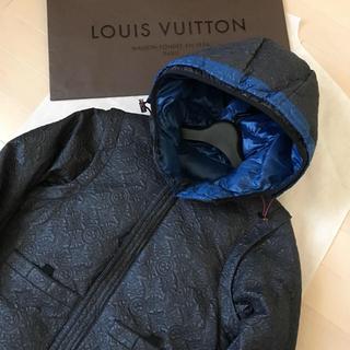 ルイヴィトン(LOUIS VUITTON)の♡T様♡10月末までお取り置き(ダウンジャケット)