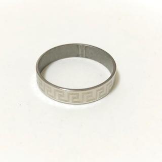 同時購入で350円 ステンレス指輪円環柄(リング(指輪))