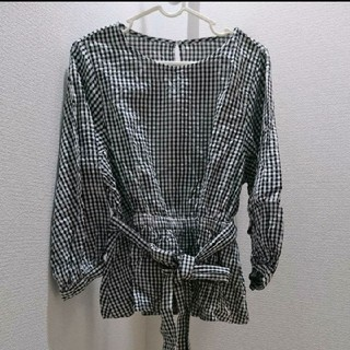 ジーユー(GU)のギンガムチェックペプラムシャツ*GU(シャツ/ブラウス(長袖/七分))