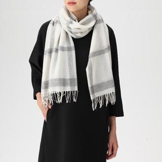 ムジルシリョウヒン(MUJI (無印良品))の新品✨2018✨無印良品✨カシミヤ✨100%✨織り柄ストール✨3(ストール/パシュミナ)