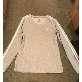 アディダス(adidas)のadidas Tシャツ (Tシャツ(長袖/七分))