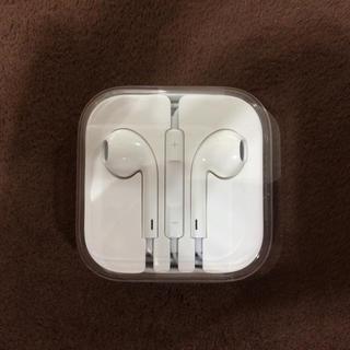 アイフォーン(iPhone)のiPhone イヤホン 新品 純正(ヘッドフォン/イヤフォン)