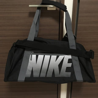 ナイキ(NIKE)のNIKE ✩ スポーツバッグ 軽量 黒 ブラック(ボストンバッグ)