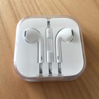 アップル(Apple)の【純正】iPhone イヤホン(ヘッドフォン/イヤフォン)