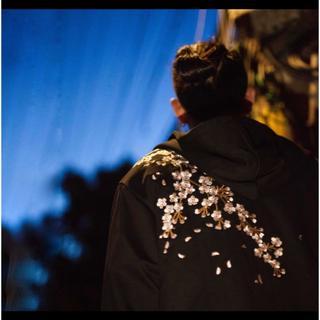 【取り寄せ】メンズ◆M~2L◆本刺繍◆桜刺繍◆パーカー◆黒◆和柄 横須賀 ブラッ(スカジャン)