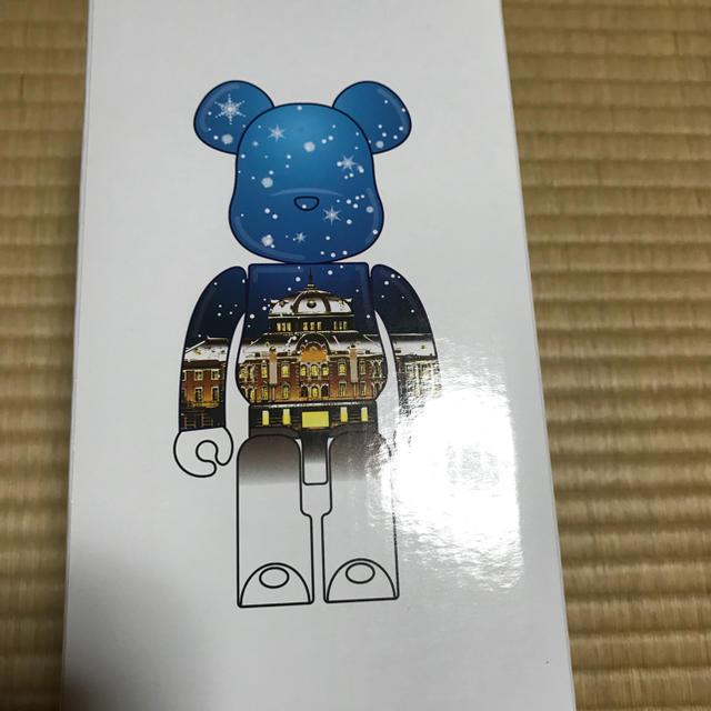 MEDICOM TOY(メディコムトイ)のベアブリック400% 東京駅丸の内駅舎モデル SNOW Ver エンタメ/ホビーのフィギュア(その他)の商品写真