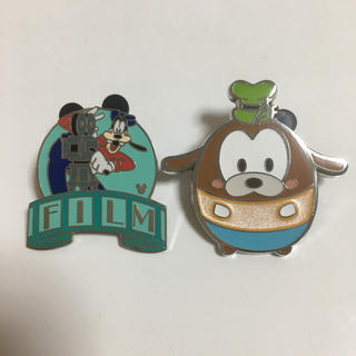ディズニー(Disney)のグーフィー   ピンバッジ  2個セット   香港 ディズニー(キャラクターグッズ)