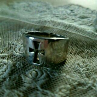 ボリューミーなシルバークロスリング ♪(リング(指輪))