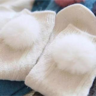 ザラ(ZARA)の新品未使用✨ファーソックスホワイト グレー ブラック靴下(ソックス)