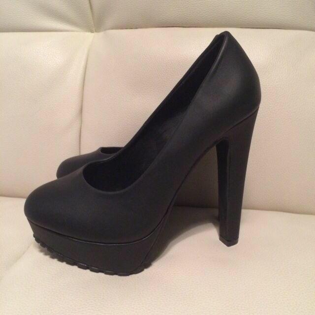TOPSHOP(トップショップ)のイギリス購入 ハイヒール 未使用 黒 レディースの靴/シューズ(ハイヒール/パンプス)の商品写真