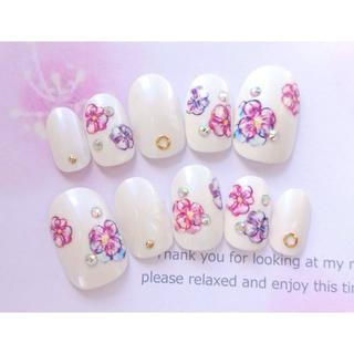 両面テープ付♡ドレスにも和装にも♡白とピンクと紫のお花のネイルチップ809