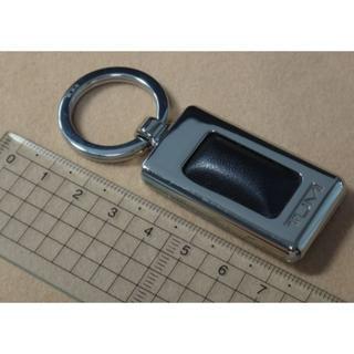 トゥミ(TUMI)の【新品/未使用】TUMI キーホルダー(ブラック) 送料無料(キーホルダー)