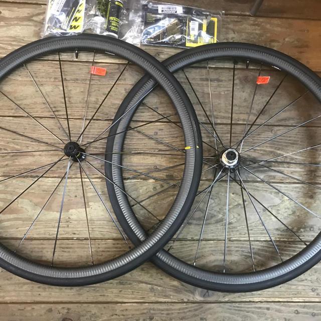 【特別価格】2019 MAVICキシリウムプロカーボンSL USTホイールセット スポーツ/アウトドアの自転車(パーツ)の商品写真